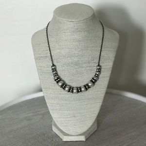 🎉 PRICE DROP! Pearl Rhinestone Necklace